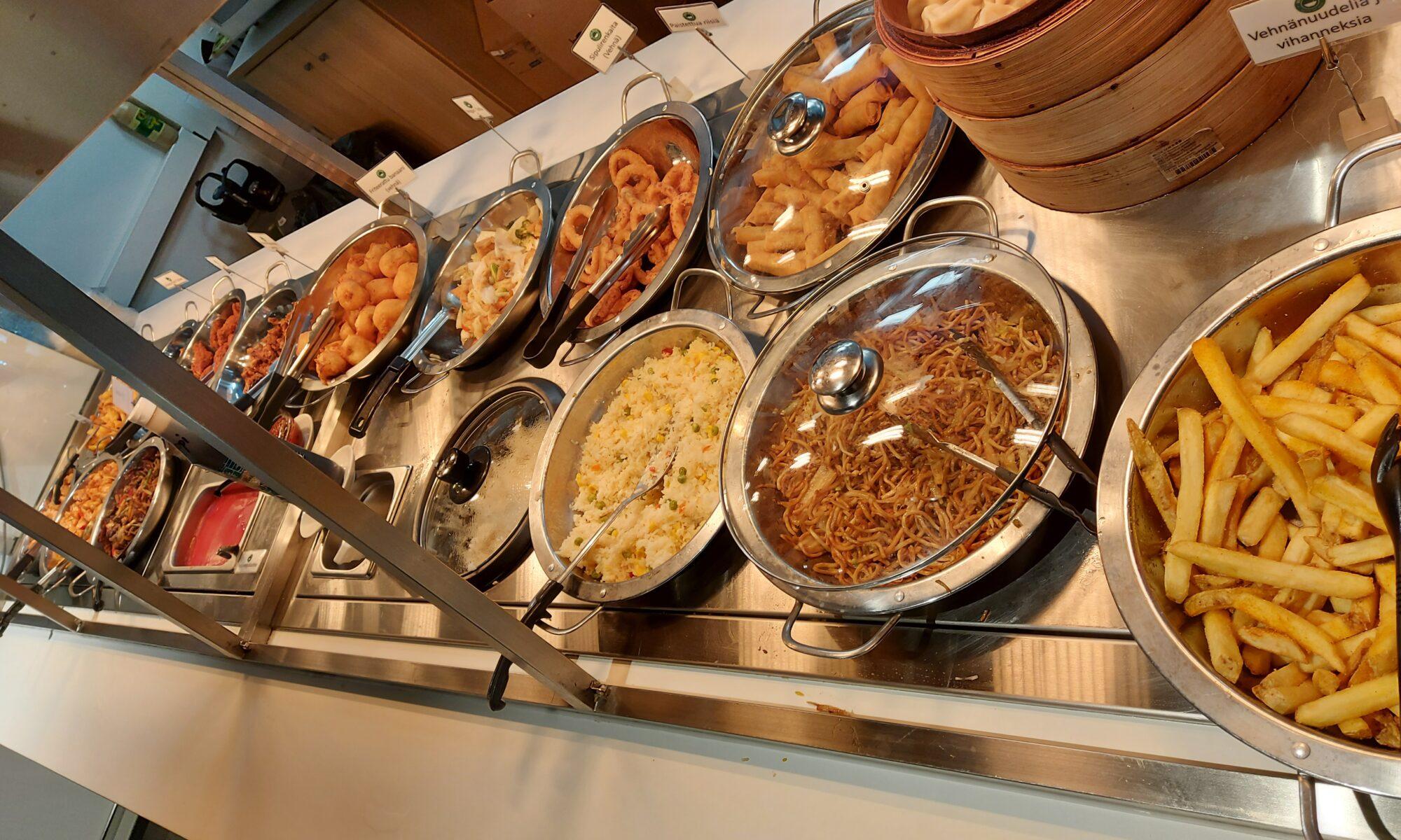 Grand warm food buffet
